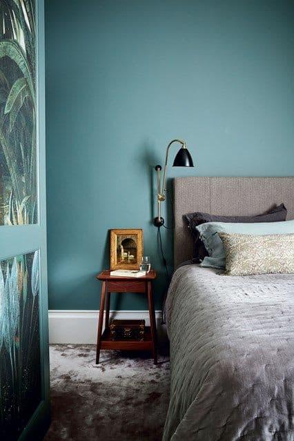 уникальный дизайн спальни в бирюзовых тонах