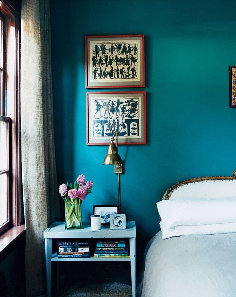большая бирюзовая спальня