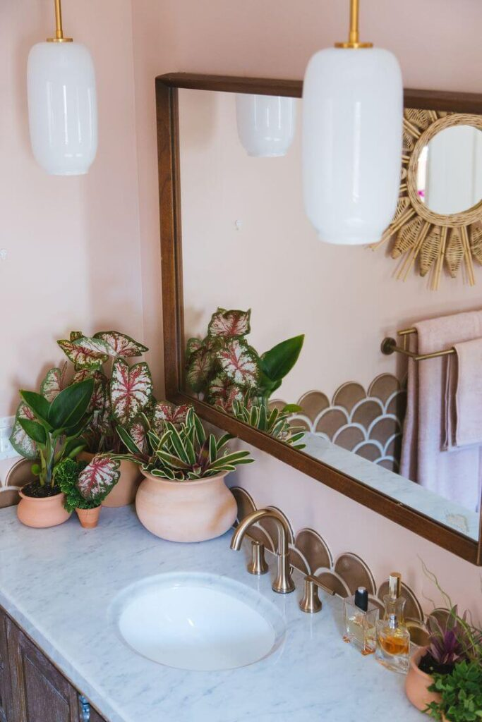 Дизайн ванной персикового цвета
