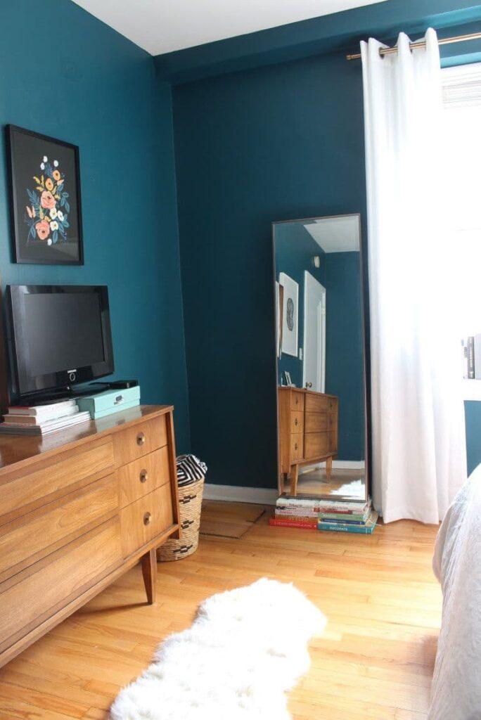 изысканная бирюзовая спальня
