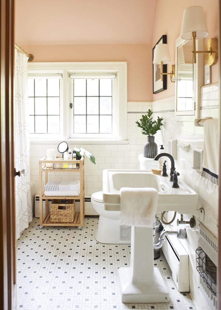 Интерьер персиковой ванной