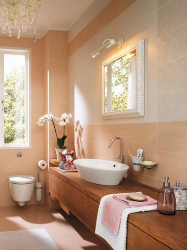 Уютная персиковая ванная