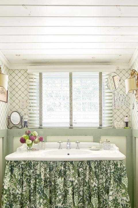 элегантная фисташковая ванная